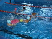 В летний период для детей организуются водные процедуры