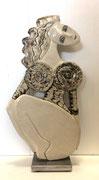 83 Sculpture femme contemporaine LILI 31X16CM disponible