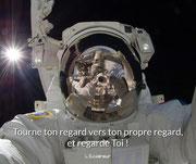 Tourne ton regard vers ton propre regard, et regarde... Toi ! (L'Eclaireur) -> Chronique n°10