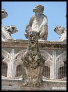 Hôtel de ville (une des nombreuses statues)