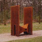 ohne Titel - Gusseisen - Cortenstahl - 130 x 85 x 205 cm