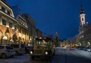 Der Postbus als traditionelles Markenzeichen zur Weihnachtszeit in Steyr