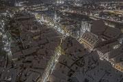 Tief verschneite Altstadt von der Stadtpfarrkirche aus