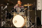 ドラム 関 慶和
