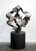 """Metamorphosis - inside out  (M-12)""     H.170x95x100 cm/cor-ten steel/2005 (作家蔵)"