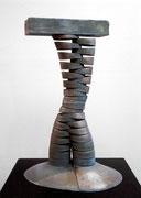 """Space - divided column  (K-14)""       H.50x30x25cm/bronze/1985 (作家蔵)"