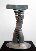 """Space - divided column  (K-14)""       H.50x30x25cm/bronze/1985 (作家蔵)"