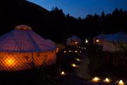 Nachts im Jurtendorf