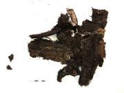 Fragmente der Vorderseite der Obebekleidung nach der Separierung (VZ)