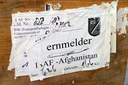 Die Feldpostkisten der Bundeswehr sehen mitunter mehr, als die Soldaten, deren Post sie transportieren.