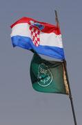 ... und Kroatische Fahne.
