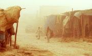 Sandstürme gehören in den Straßen von Mazar-e-Sharif zum Alltag...