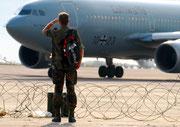 """Mit der """"Kurt Schumacher"""" war ich in Afghanistan. Hier kam sie mir nach Kinshasa hinterher geflogen..."""