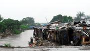 ...und in den Slums am Stadtrand SO.