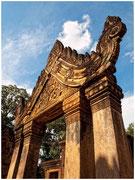 Pórtico en un templo de las ruinas de Angkor (Siem Reap). © Daniel Roca García.