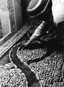 Suelo de canto rodado, Castillo de Larres. Fototeca AFS. © Javier Ara Cajal.
