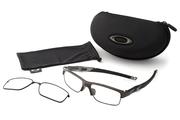 【付属品】:マイクロクリアバック・インターチェンジャブル・レンズキャリア・CROSSLINK専用ケースが付属する。交換用レンズキャリアに異なるレンズカラーを入れることで、「眼鏡からサングラス」とシーンに合わせて2通りの使い方が可能となる。