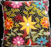 Cojines en telar y bordados a mano de Ayacucho Perú