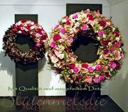 Trauerbühne / Blütenkränze