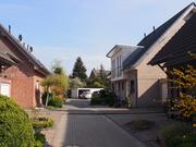 Wohngebiet mit 9 Häusern unterschiedlichen Baustils