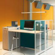 07 Caldo Sitz-/Stehtisch und Glastrennwand