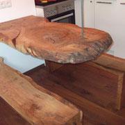 Schwebender Tisch - Eiche massiv am Drahtseil