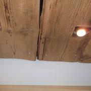 Holzdecke aus Altholzdielen