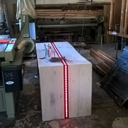 Altholz Schreibtisch mit LED Beleuchtung in rot