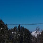 Fussgängerhängebrücke