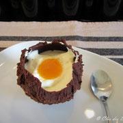 Oeuf à la coque au chocolat, mousse de chocolat blanc