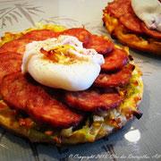 Tarte fine à la saucisse Morteau et œuf poché