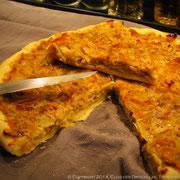 Tarte fine aux poireaux, petite compotée d'oignons