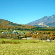 妙高山と黒姫山は重なっているように見えます。