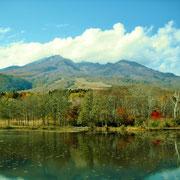 妙高山の秋景色。
