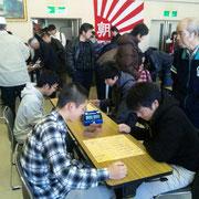 こちらでは野沢北高が練習対局 今回も佐久勢は気合満点。各クラスで、どれだけ入賞者を出せるのか?
