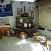 Shop - wine storehouse of sale - cellar - Pineau des Charentes - Grape juice - Chocolate in Pineau