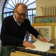 Valerio Magrelli prova a far girare il torchio tipografico