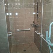 Accessibilité douche pour personne a mobilité réduite