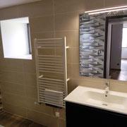 Meuble lavabo miroir sèche serviette