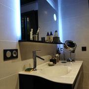Meuble lavabo et miroir