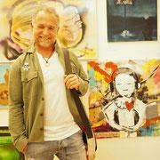 Reinhold Ponesch: 'STAY IN TOUCH' 80x80 cm, Acryl auf Leinwand, photo: Nicole Ponesch ©