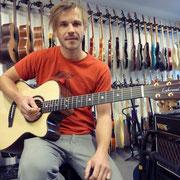 Wunderschöne Lakewood Gitarre hat einen neuen Platz gefunden bei Manfred Jungo, Danke tuusig!