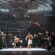 Berlin 1920, Gärtnerplatztheater Regie: Karl A. Schreiner Bühne: Rainer Sinell Licht: Marco Policastro Videodesign: Raphael Kurig, Thomas Mahnecke © Lioba Schöneck