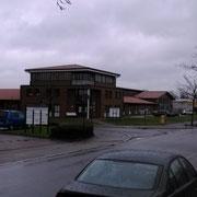 Gebaude in dem Zobels Computerdienste untergebracht ist (von der anderen Staßenseite)