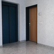 Eingangstür zu Zobels Computerdienste (im Flur, 1. Stock)