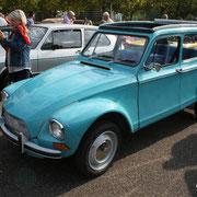 Parmis les voitures bleues...