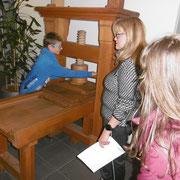 So sah eine der ersten Druckerpressen aus.