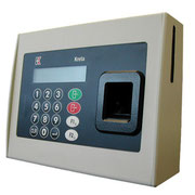 Контроллер с панелью управления, считывателем пальца и карты с контактным чипом