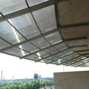 Півкруглий дашок з полікарбонату