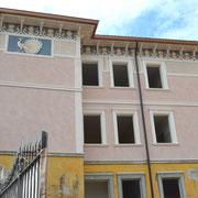 Fregio sottocornicione e pavoni - Montecchio Emilia (RE)